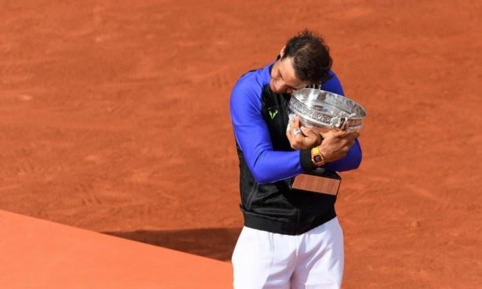 Победа на Роллан Гаррос уровняла Надаля и Федерера по количеству титулов на турнирах Большого шлема