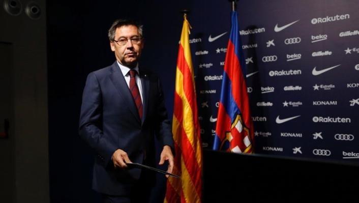 Жозе Бартомеу покинул пост директора Барселоны