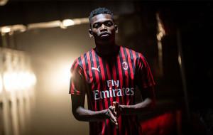 Милан рассчитывает подписать новый контракт с Леау