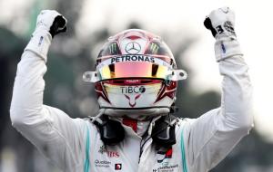Льюис Хэмилтон стал первым на квалификации Гран-при Эмилии-Романьи