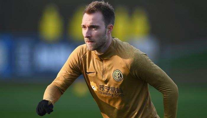 Вчера 27-летний полузащитник стал игроком миланского Интера. Сообщили новости спорта