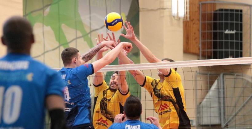 Волейболисты Строителя обыграли Шахтер в матче четвертьфинальной стадии чемпионата Беларуси