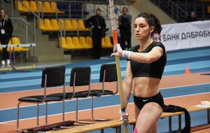 Белоруска Жук пробилась в финал Олимпиады в прыжках с шестом