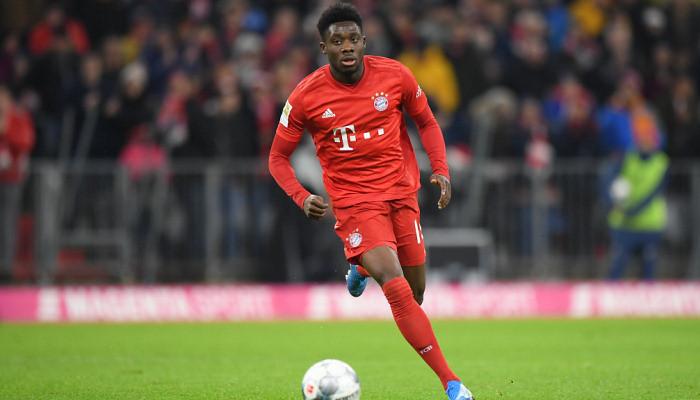 Бавария продлила контракт с Дэвисом до 2025 года