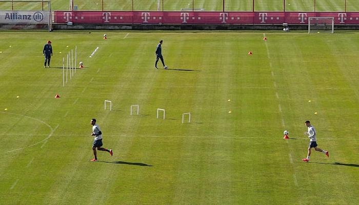 Бавария возобновила тренировки. Игроки занимались небольшими группами