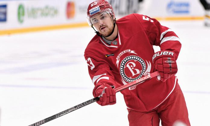 Павел Чернов официально перешел в Шахтер