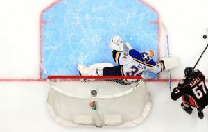 Ванкувер, Сент-Луис и Торонто открыли победами сезон в НХЛ