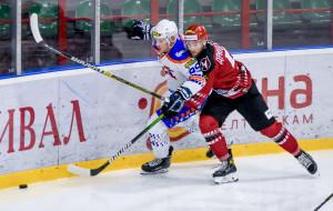 Неман вырвал победу у Локомотива, забросив четыре шайбы в третьем периоде