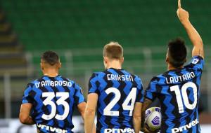 Интер в концовке дожал Фиорентину, уступая по ходу матча