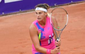 Арина Соболенко уверенно разобралась с Чжан Шуай в стартовом раунде турнира в Штутгарте