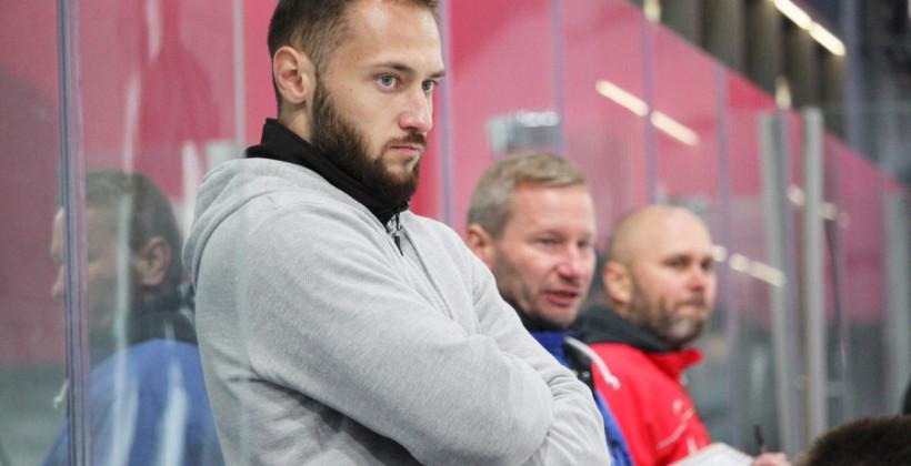 Голкипер Игорь Петренко завершил карьеру в 26 лет и стал тренером