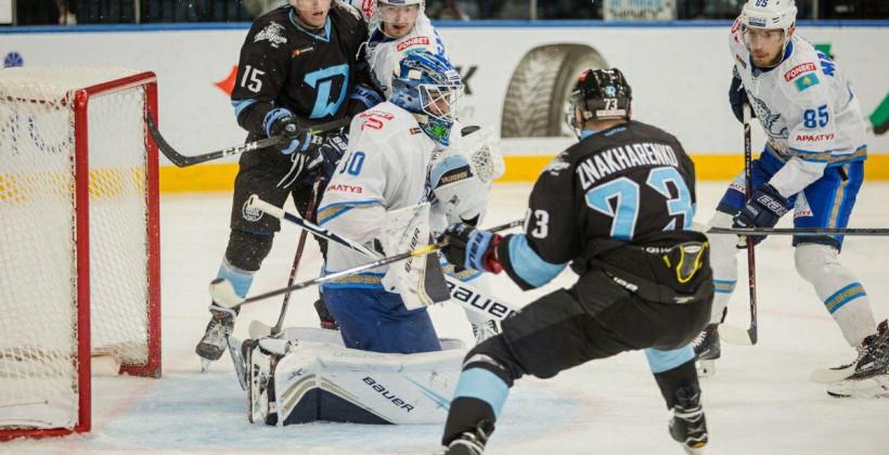 Хоккеисты Барыса прилетели в Минск