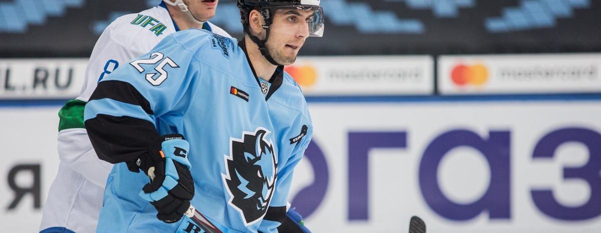 Илья Усов – о заварушке в матче с Салаватом, дебюте в КХЛ и атмосфере в команде