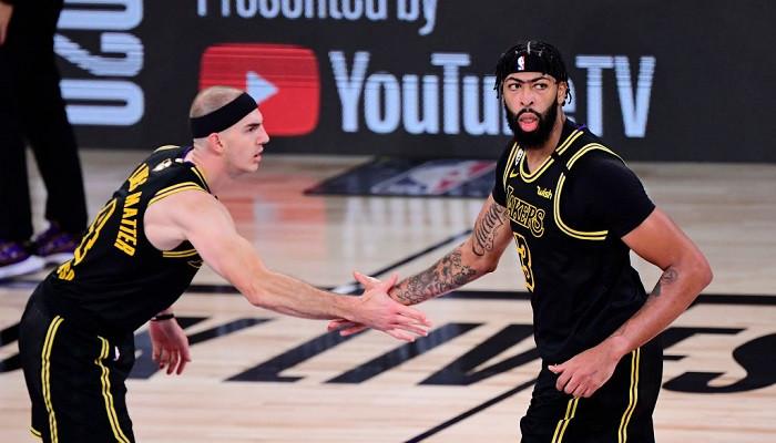 Лейкерс добыли вторую победу в финале НБА, опередив Майами на десять очков