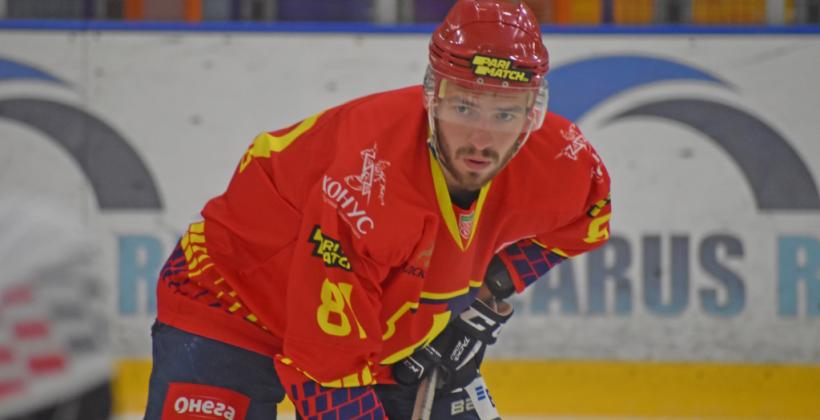 Александр Бунец получил травму в матче с Ястребами
