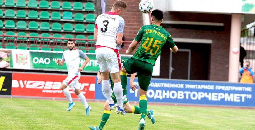 Неман разгромил Смолевичи в 28-ом туре