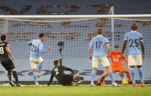 Манчестер Сити на своём поле разгромил Бёрнли