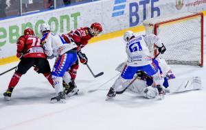 Тяжелая победа Локомотива над Неманом (видео)