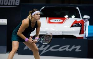 Тяжелая победа Арины Соболенко над Еленой Рыбакиной на турнире в Абу-Даби (видео)