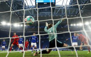 Бавария в гостевом поединке не оставила шансов Шальке