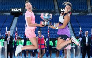 Церемония награждения чемпионок Australian Open в парном разряде (видео)