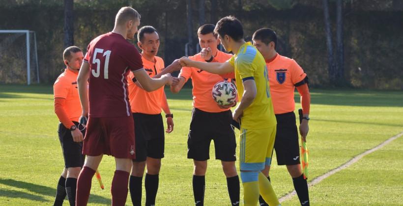 Денис Лаптев вывел Рух с капитанской повязкой на товарищеский матч против Астаны