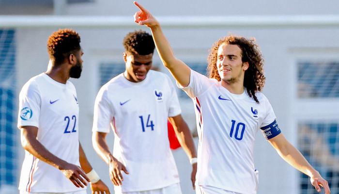 Франция и Дания добыли сухие победы в третьем туре группы С и квалифицировались в 1/4 молодёжного ЧЕ