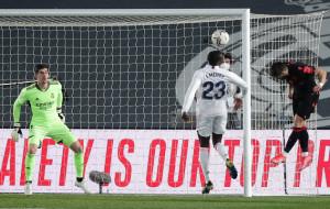 Реал в концовке вырвал ничью в матче с Сосьедадом