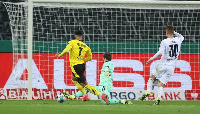 Дортмундская Боруссия минимально обыграла Мёнхенгладбах в 1/4 финала Кубка Германии