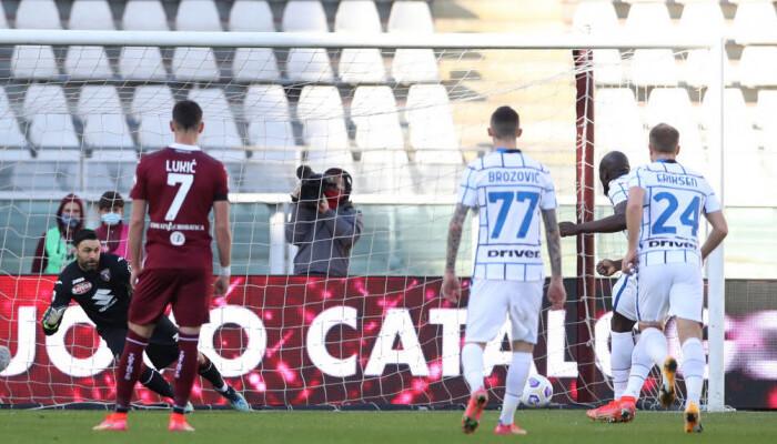 Интер в концовке дожал Торино благодаря голу Лаутаро