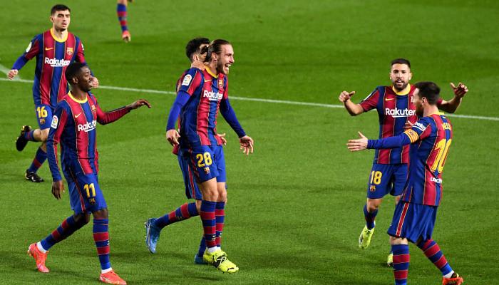 Барселона на своем поле разгромила Уэску