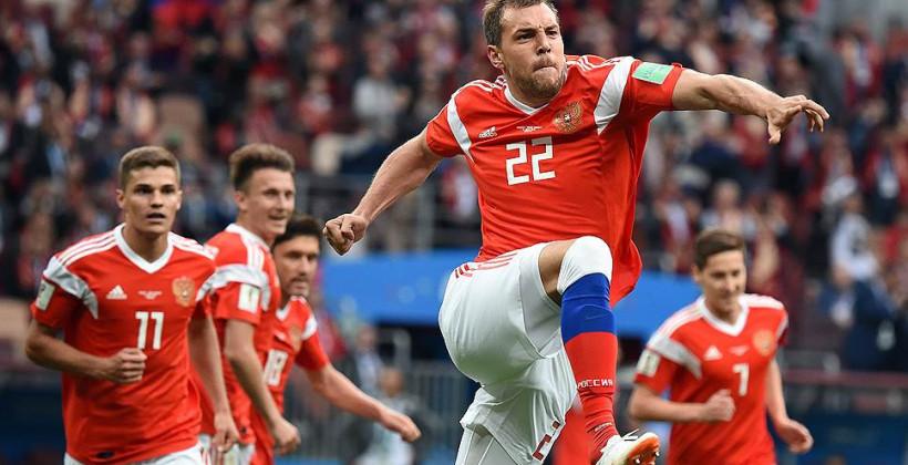 Дзюба: «Поиграть в Европе? А Беларусь считается? Я могу, конечно, какую-нибудь такую лигу разорвать лет в 38»