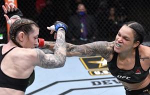 Аманда Нуньес справилась с Меган Андерсон в титульном бою UFC 259