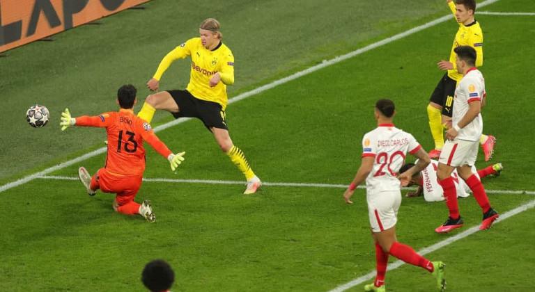 Дортмундская Боруссия, сыграв дома вничью с Севильей, вышла в 1/4 финала Лиги чемпионов УЕФА