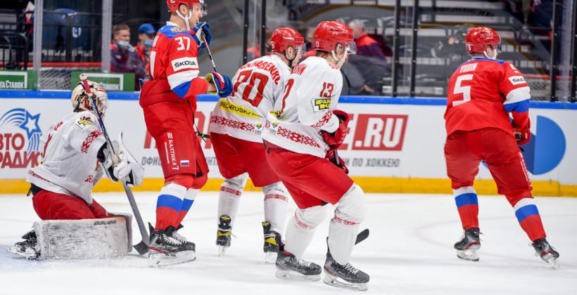 Белорусы уступили сборной России, пропустив шесть шайб во втором периоде