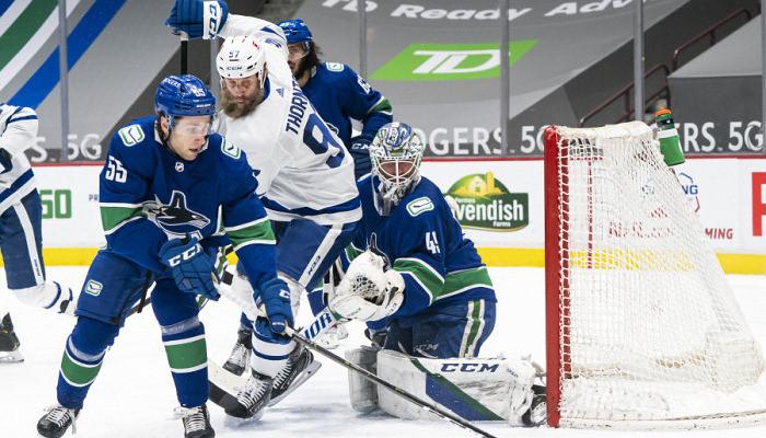 Бостон разгромил Вашингтон и ещё 4 результата игрового дня НХЛ