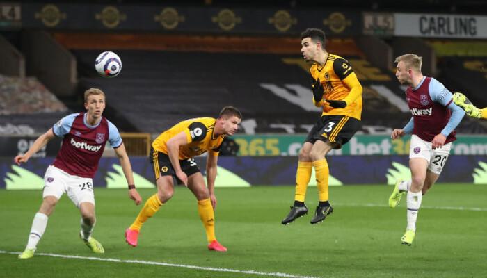 Вест Хэм смог удержать победный счёт над Вулверхэмптоном, забив три гола в первом тайме