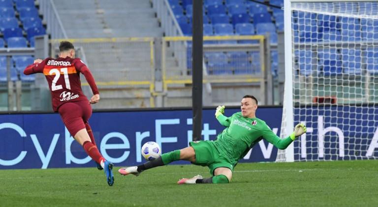 Рома не без труда переиграла на своём поле Болонью
