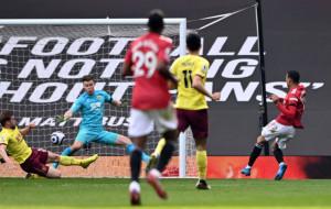 Манчестер Юнайтед в концовке матча вырвал трудовую победу над Бёрнли
