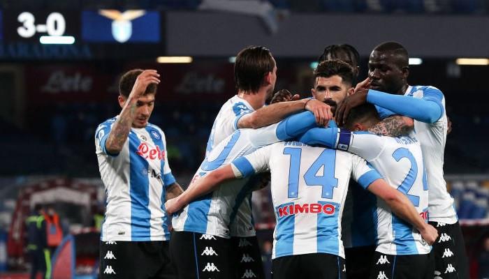 Наполи крупно обыграл Лацио и приблизился к зоне Лиги чемпионов