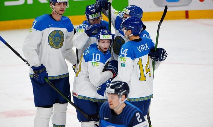Сборная Казахстана уступила Канаде на чемпионате мира в Риге