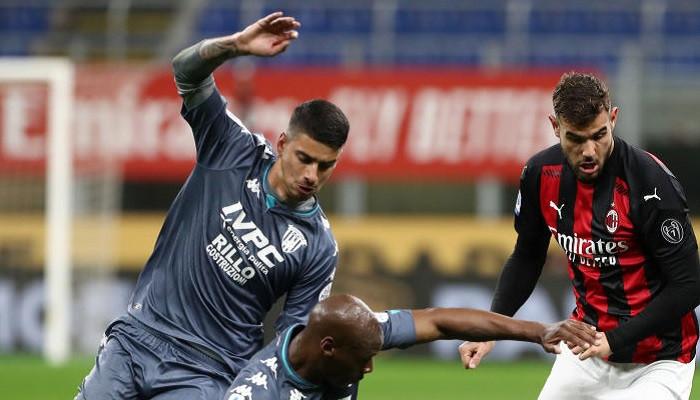 Милан справился с Беневенто и поднялся на второе место в Серии А