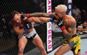 Чарльз Оливейра стал первым после Хабиба обладателем титула чемпиона UFC в лёгком весе