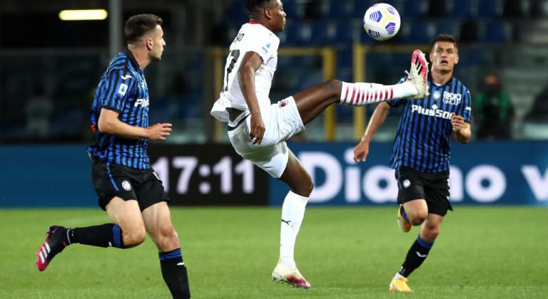 Милан благодаря дублю Кессье обыграл Аталанту и финишировал на второй строчке Серии А