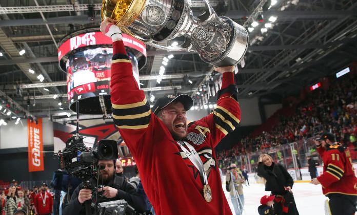 Стась: «Для ребят, занимающихся хоккеем, было бы интересно посмотреть на трофей»