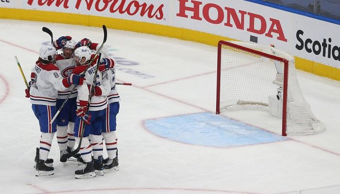 Монреаль, уступая 1 — 3 в серии Торонто, вышел во второй раунд плей-офф кубка Стэнли