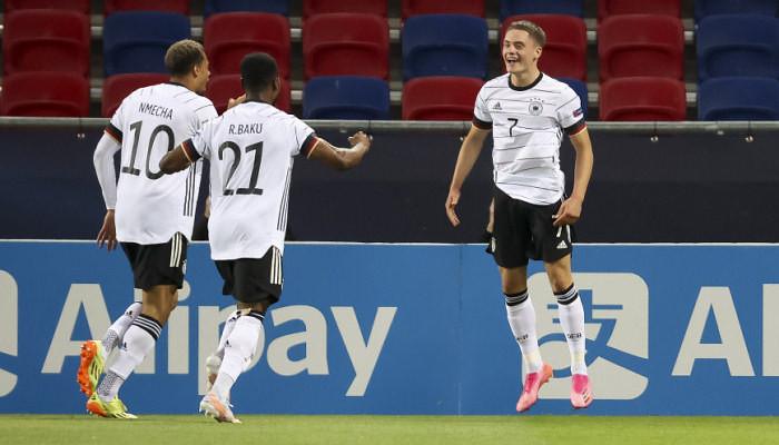 Сборная Германии, забив два гола в первые 8 минут матча, вышла в финал МЧЕ-2021