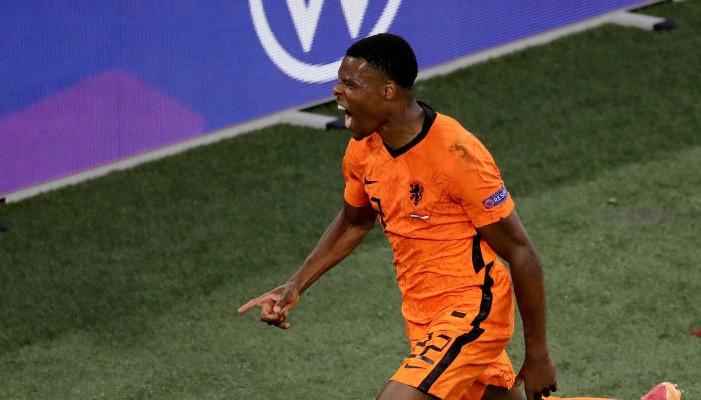 Думфрис — лучший игрок матча Нидерланды — Австрия