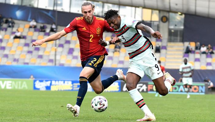Португалия минимально одолела Испанию в полуфинале молодежного Евро