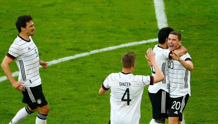 Германия крупно обыграла Латвию в товарищеском матче